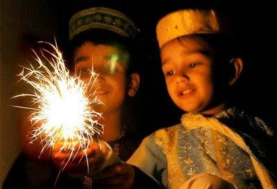 Muslim boy celebrates Diwali lights phuljhadi