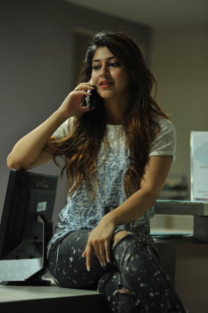 04-Sonarika_Bhadoria_HD_Photos_Images_in_Jadugadu_Movie_Stills