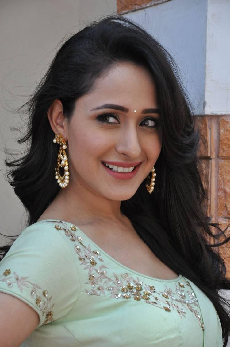 Pragya-Jaiswal