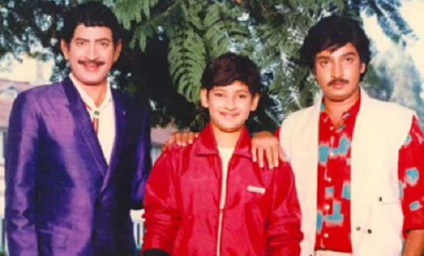 mahesh-babu-as-child-actor-with-father-krishna