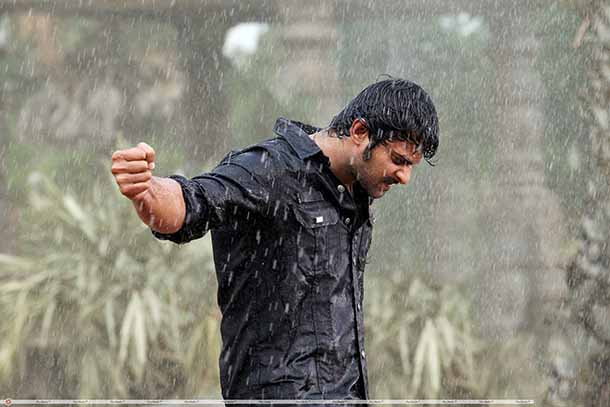 mirchi_movie_rain_fight_stills032b2cc936860b03048302d991c3498f