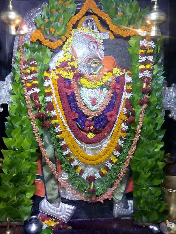 lord-anjaneya-at-muradi