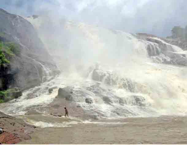 The-iconic-Kuntala-waterfall-will-go-to-the-proposed-Nirmal-district-after-trifurcation-of-Adilabad