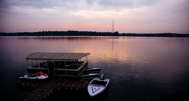 Beautiful-backwaters-in-Dindi