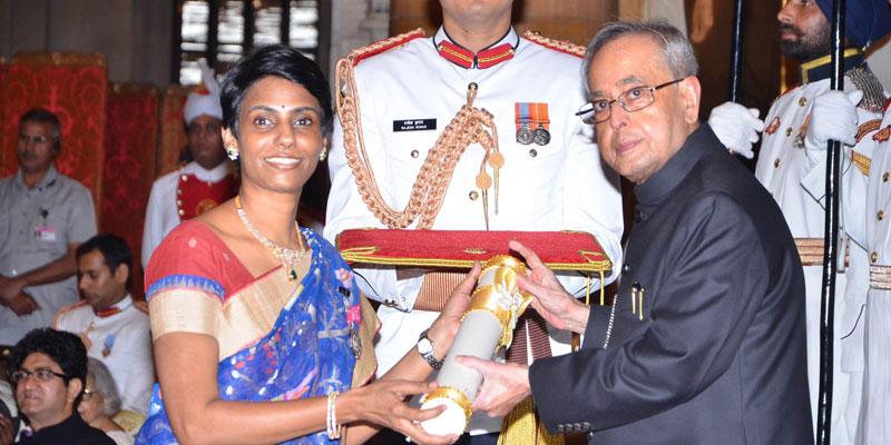 This Padmasri Winning Doctor Is Revolutionizing Gynec Laparoscopy ...